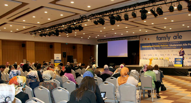 family_conference_1.jpg - 82.71 kB